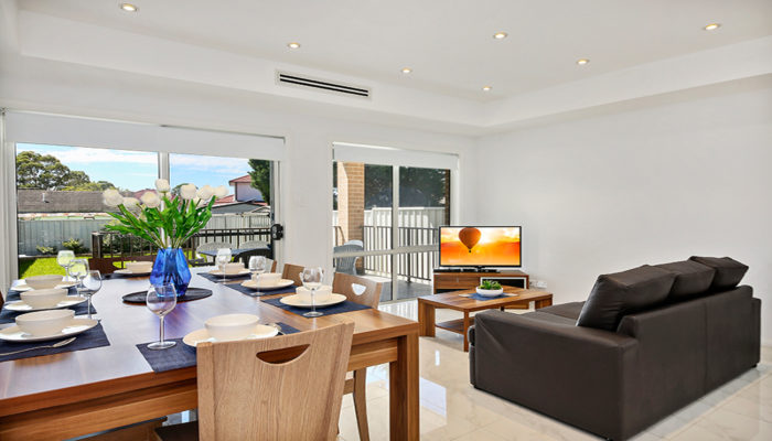 VILLA HODGINKSON 18 Holiday Accommodation Sydney Properties