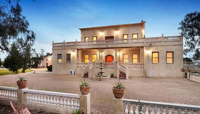 Villa Tuscany Melbourne Properties
